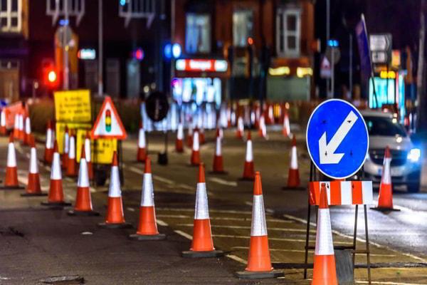lắp đặt biển báo giao thông