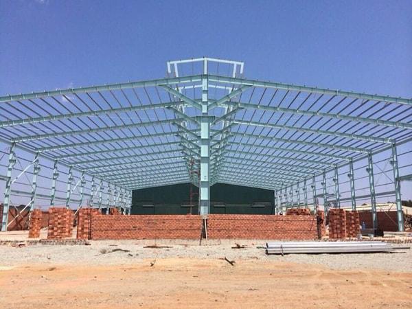 xây dựng nhà xưởng bằng kết cấu thép
